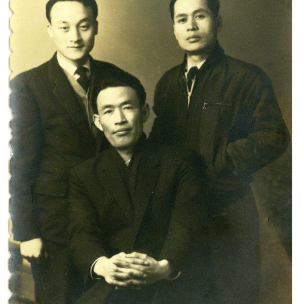 조문기, 강윤국, 유만수 선생이 함께 찍은 사진